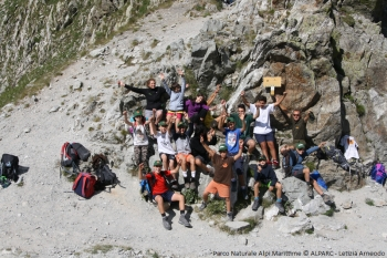 Trekking Life Wolfalps for Youth at the top